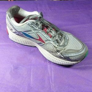 Brooks Ghost 8 edition pre-owned womens